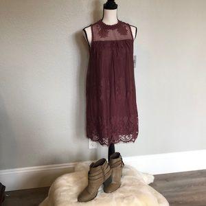 Sleeveless Mauve lace dress